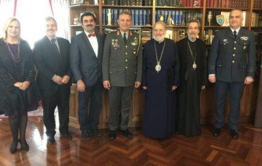 Στον Αρχιεπίσκοπο Αυστραλίας Στυλιανό ο Υπαρχηγός ΓΕΕΘΑ