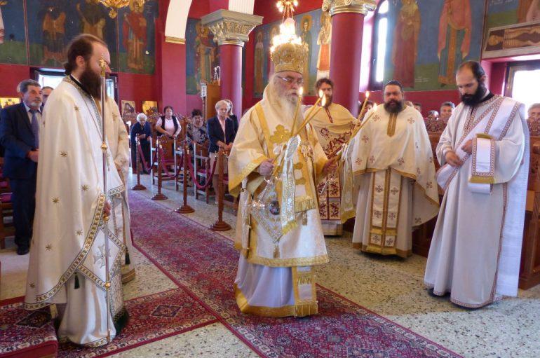 Ο εορτασμός του Αγίου Πνεύματος στη Λεύκη Καστοριάς (ΦΩΤΟ)