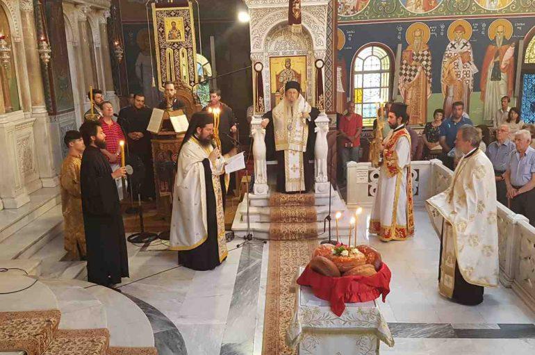 Αρχιερατικός εσπερινός του Αγίου Λουκά του Ιατρού στη Λάρισα (ΦΩΤΟ)