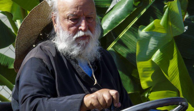 Μητροπολίτης Μαντινείας: «Πρέπει να επιστρέψουμε στη γη!»