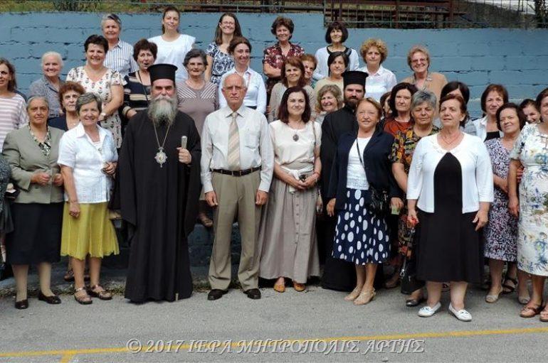 Θεία Λειτουργία για παλιές κατασκηνώτριες  στην Ι. Μ. Άρτης (ΦΩΤΟ)