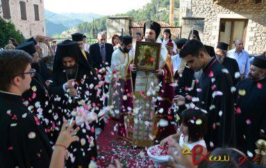 Η Δημητσάνα υποδέχθηκε την Τιμία Εσθήτα της Παναγίας (ΦΩΤΟ)