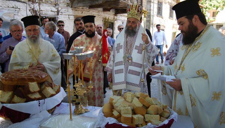 Ο Μητροπολίτης Θεσσαλιώτιδος στον Ι. Ναό Αγ. Παρασκευής Αηδονοχωρίου (ΦΩΤΟ)
