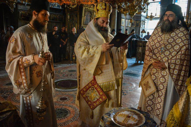 Η εορτή των Πρωτοκορυφαίων Αποστόλων στην Ι. Μονή Ιβήρων (ΦΩΤΟ)