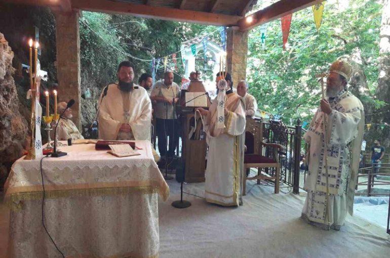 Ο εορτασμός της Αγίας Κυριακής στα Καμπιά Διρφύων (ΦΩΤΟ)