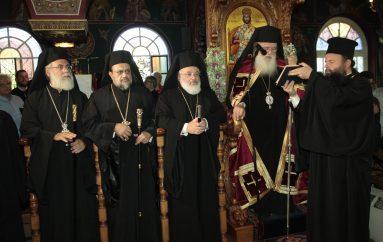 Ο Αρχιεπίσκοπος Ιερώνυμος στον Ι. Ναό Αγίου Φανουρίου Ιλίου (ΦΩΤΟ)