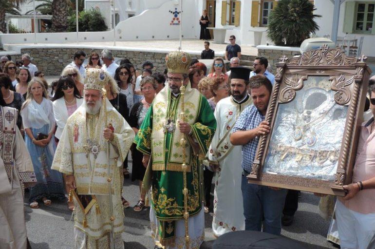 Η Μύκονος τίμησε την Πολιούχο της Παναγία Τουρλιανή (ΦΩΤΟ)