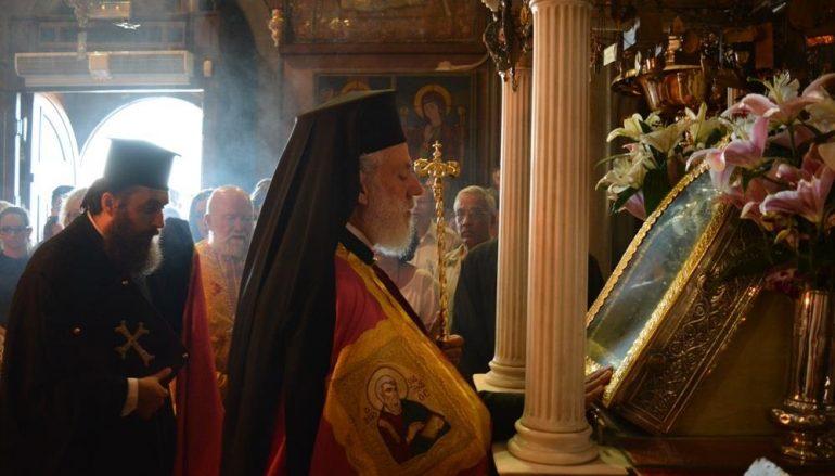 Η πρώτη Παράκληση στον Πανίερο Ναό Ευαγγελιστρίας Τήνου (ΦΩΤΟ)