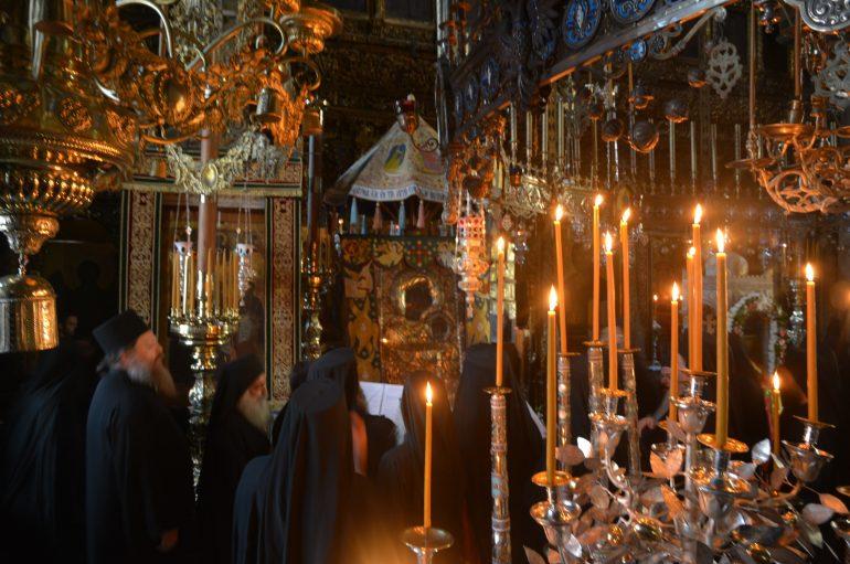 Η εορτή της Κοιμήσεως της Θεοτόκου στην Σταυροπηγιακή Μονή Ιβήρων (ΦΩΤΟ)