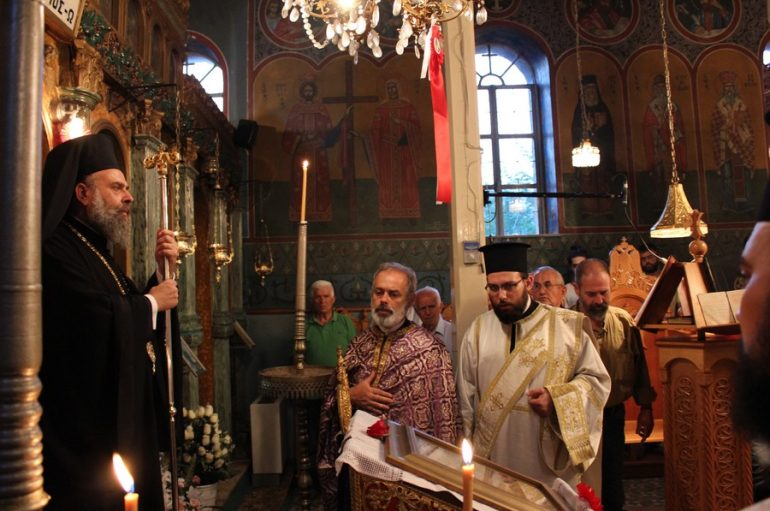 Παράκληση από τον Μητροπολίτη Θεσσαλιώτιδος στο Σαραντάπορο (ΦΩΤΟ)