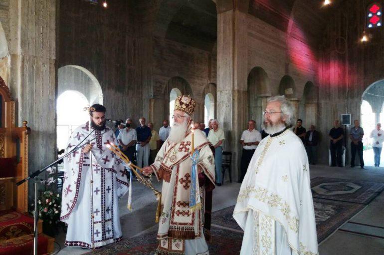Στο υπό ανέγερσιν νέο Καθολικό η Θεία Λειτουργία στην Ι. Μονή Συκής (ΦΩΤΟ)