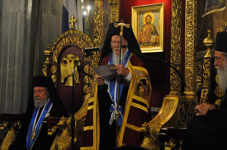Τιμητική διάκριση σε Οικουμενικό Πατριάρχη και Αρχιεπίσκοπο Κύπρου (ΦΩΤΟ)