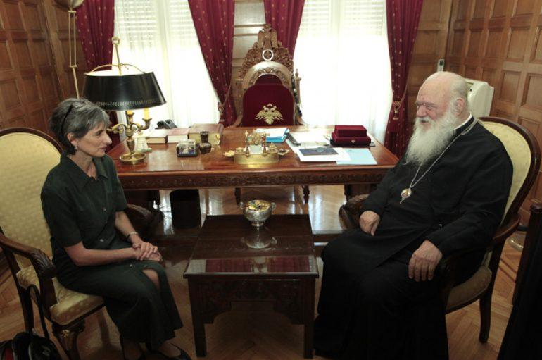 Συνάντηση Αρχιεπισκόπου με την Πρέσβη της Αγγλίας (ΦΩΤΟ)