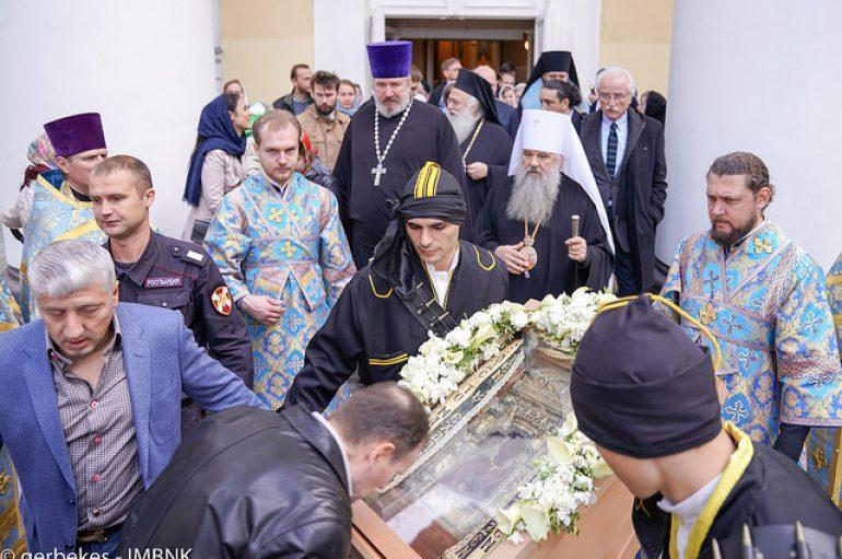 Αναχώρηση της Παναγίας Σουμελά από την Αγία Πετρούπολη (ΦΩΤΟ)