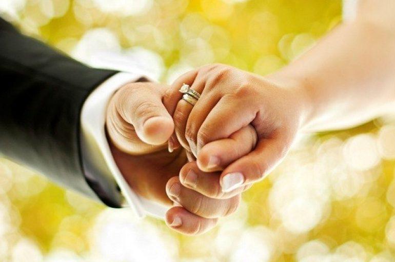 """""""Ὁ Ἐκκλησιαστικὸς ἔναντι τοῦ πολιτικοῦ Γάμου"""" του Αντ. Κουτεντάκη"""