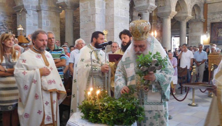 Η εορτή της Υψώσεως του Τιμίου Σταυρού στο νησί της Πάρου (ΦΩΤΟ)