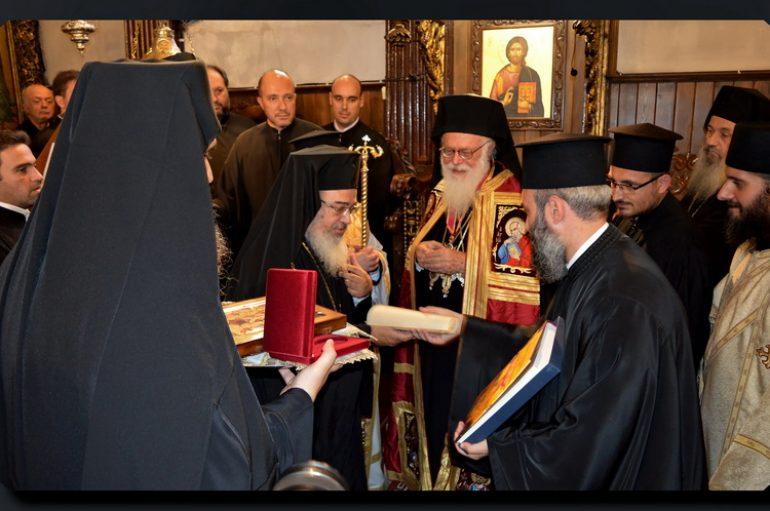 Με το Σταυρό του Αποστόλου Παύλου τιμήθηκε ο Αρχιεπίσκοπος Αλβανίας (ΦΩΤΟ)