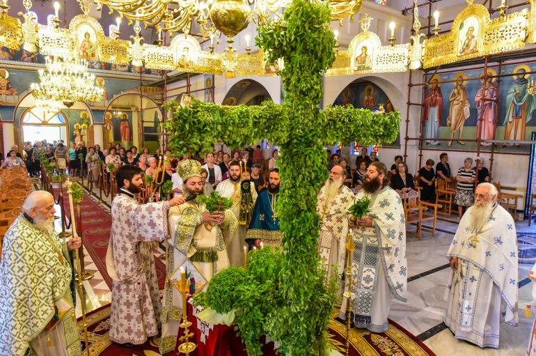 """Λαγκαδά: """"Ο Σταυρός του Κυρίου μας είναι Όπλο Ειρήνης και Αγάπης"""" (ΦΩΤΟ)"""