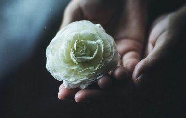Όταν ο πόνος μας γίνεται ένα άνοιγμα προς τον Θεό μας ωφελεί