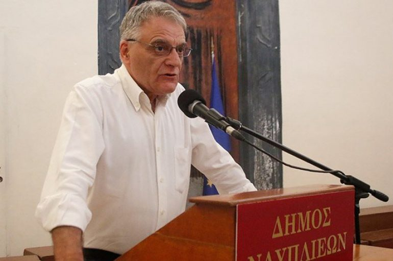 """Πουλάκης (ΣΥΡΙΖΑ): """"Να καταργηθεί η προσευχή στα σχολεία"""""""