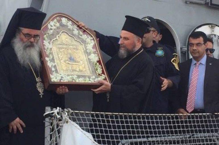 Υποδοχή της Παναγίας των Ναυμάχων στον Πειραιά (ΦΩΤΟ)