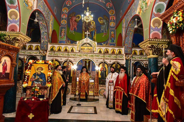 Ο Μητροπολίτης Λαγκαδά στον Ι. Ναό της ενορίας Χρυσαυγής (ΦΩΤΟ)
