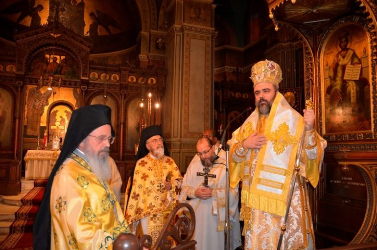 Ο Μητροπολίτης Σμύρνης στον Ι. Ναό Αγίου Γεωργίου Καρύτση (ΦΩΤΟ)
