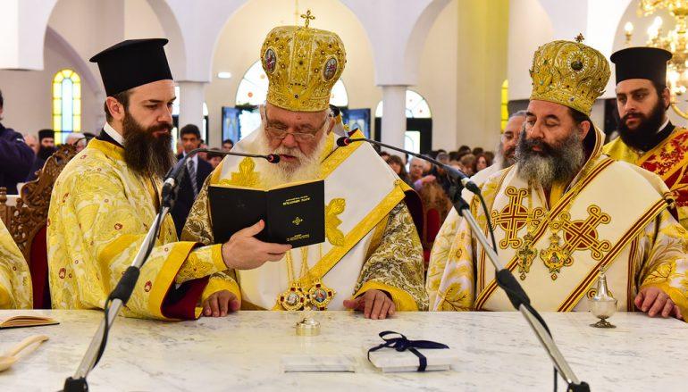 Εγκαίνια Ναού από τον Αρχιεπίσκοπο Ιερώνυμο στην Ι. Μ. Λαγκαδά (ΦΩΤΟ)