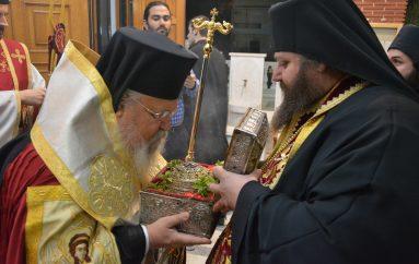 Λαμπρή υποδοχή της Κάρας του Αγίου Παρθενίου στον Καρέα (ΦΩΤΟ)