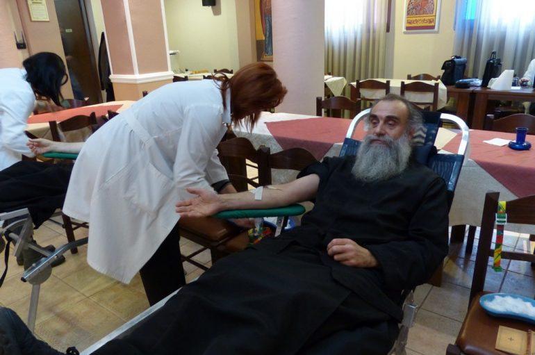 Εθελοντική αιμοδοσία στην Ιερά Μητρόπολη Καστορίας (ΦΩΤΟ)