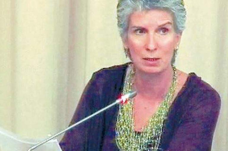 Ποινική δίωξη για την Συριζαία που πέταξε εικόνα της Παναγίας στα σκουπίδια