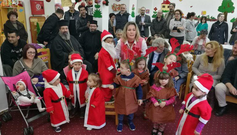 Τα παιδιά πρώτα για το παιδίον Ιησούν (ΦΩΤΟ)
