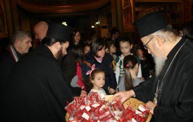 Χριστουγεννιάτικη Εκδήλωση στον Ι. Ν. Αγίας Τριάδος Αγρινίου (ΦΩΤΟ)