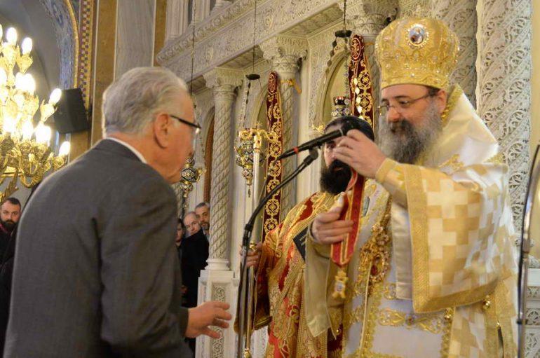 Ο Μητροπολίτης Πατρών τίμησε τον κ. ΑθανάσιοΣτεφανόπουλο (ΦΩΤΟ)