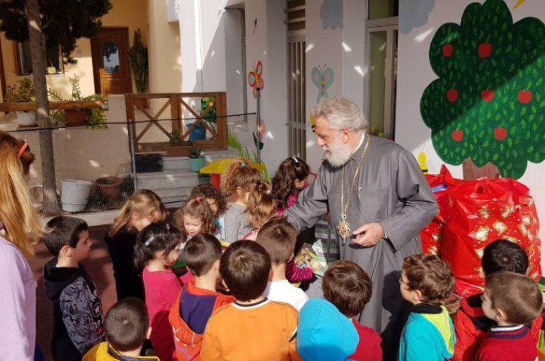 Ποιμαντικές επισκέψεις του Μητροπολίτη Σύρου Δωροθέου (ΦΩΤΟ)