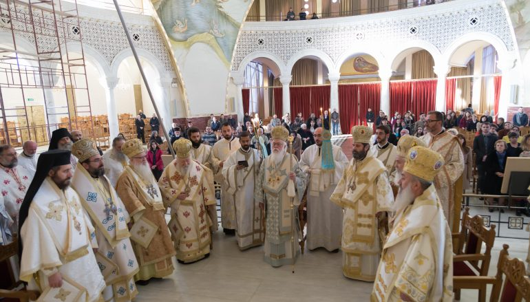 Με λαμπρότητα εορτάσθηκαν Ονομαστήρια του Αλβανίας Αναστασίου (ΦΩΤΟ)
