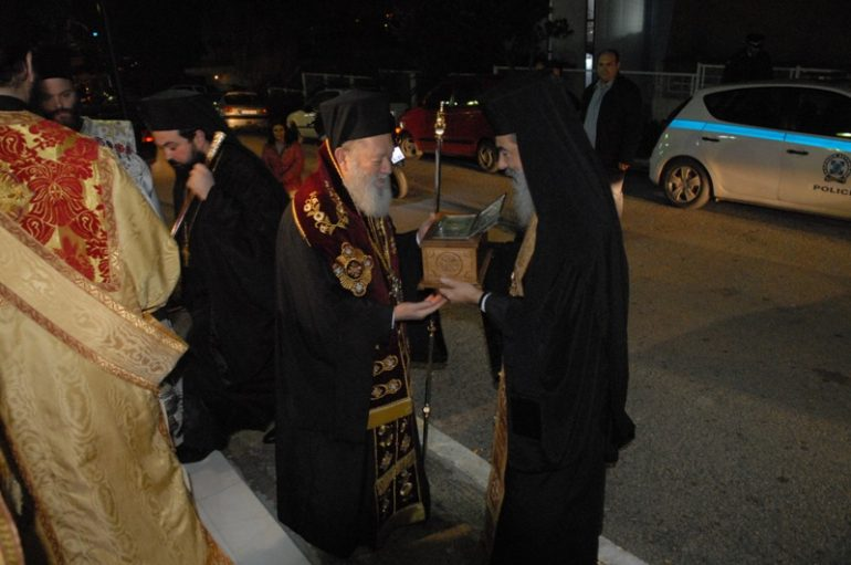 Η Χαλκίδα υποδέχθηκε τα λείψανα των Αγ. Ραφαήλ, Νικολάου και Ειρήνης (ΦΩΤΟ)