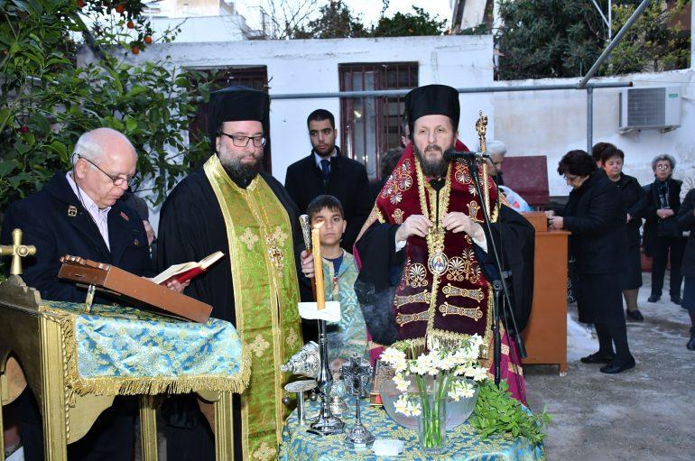 Ξαναλειτούργησε το εκκλησάκι του Αγίου Βασιλείου στην Ηλιούπολη (ΦΩΤΟ)