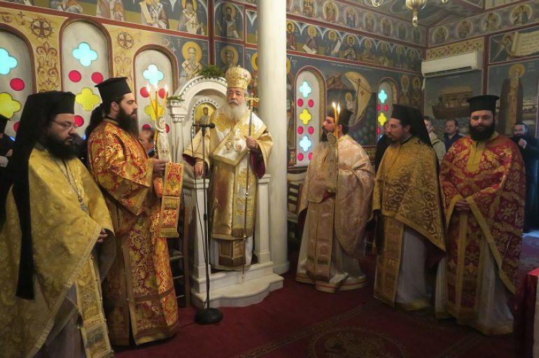 Η Εορτή ανακομιδής των Λειψάνων του Αγίου Εφραίμ στη Λαμία (ΦΩΤΟ)