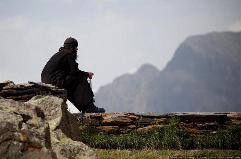 """""""Πνευματικές αναζητήσεις"""" του  Καθηγουμένου της Ι. Μονής Εσφιμένου"""