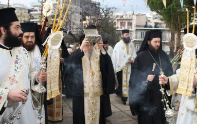 Το Αγρίνιο υποδέχθηκε λείψανα των Αγίων Ραφαήλ, Νικολάου και Ειρήνης (ΦΩΤΟ)