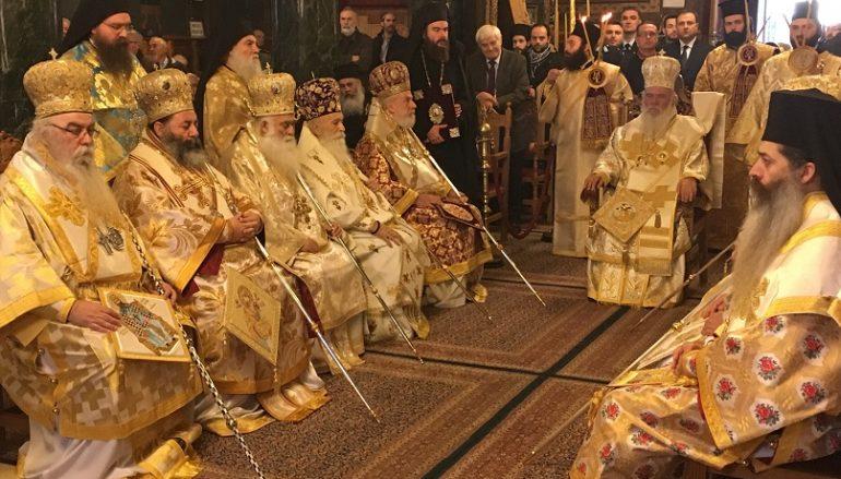 Συνοδική Θεία Λειτουργία στον Μητροπολιτικό Ναό Καστοριάς (ΦΩΤΟ)
