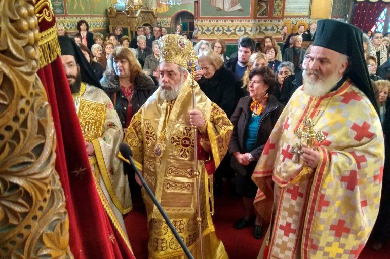 Στο θρόνο της η Παναγία Υπαπαντή στην Καλαμάτα (ΦΩΤΟ)