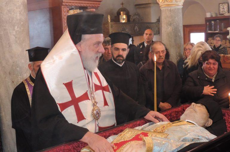 Η Μονή Παναγίας Τουρλιανής υποδέχθηκε τη σορό του Ηγουμένου της (ΦΩΤΟ)