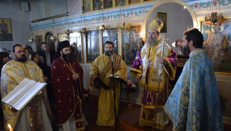 Ο Μητροπολίτης Ιερισσού στον Ι. Ναό Αγίου Τρύφωνος Τρίπολης (ΦΩΤΟ)