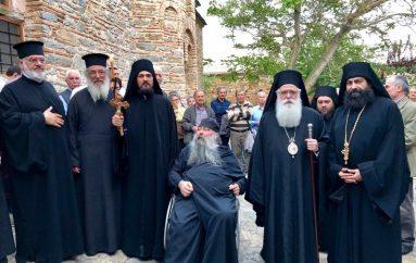 Κουρά Μοναχού στην Ιερά Μονή Αγίου Παντελεήμονος Αγιάς (ΦΩΤΟ)