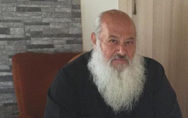 Στυλιανός Σάββα: «Δεν πρόκειται να βγάλω τα ράσα» (BINTEO)