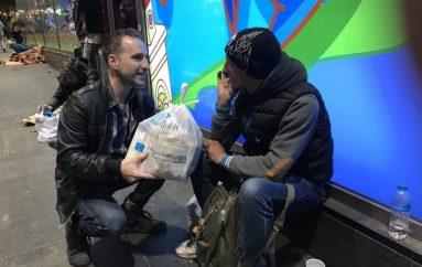 """Η ΜΚΟ """"ΑΠΟΣΤΟΛΗ"""" κοντά στους αστέγους"""