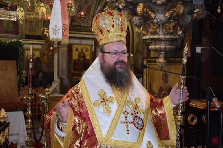 Θεία Λειτουργία στον Ι. Ναό Εισοδίων της Θεοτόκου Σαλαμίνος (ΦΩΤΟ)