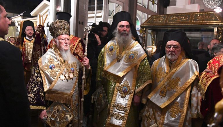 Η Ακολουθία του Επιταφίου στο Οικουμενικό Πατριαρχείο (ΦΩΤΟ)